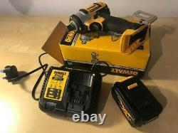 Dewalt Dcf880n Xr Compact 1/2 Clé D'impact 18v Inc. 4ah Batterie Et Chargeur