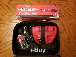 Milwaukee 2557-20 M12 Fuel 3/8 Brushless Sans Fil À Cliquet Une Batterie Et La Charge